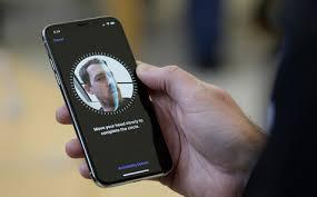 اختراق تقنية Face ID بالقناع قي ايفون X